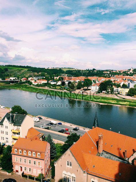 Maisons sur la rive du fleuve - image gratuit(e) #136195