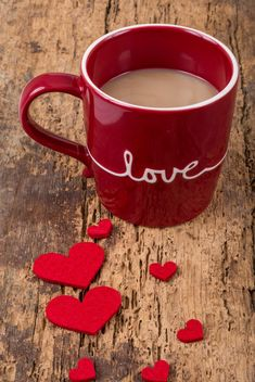 Red cup of coffee and hearts - image #182915 gratis