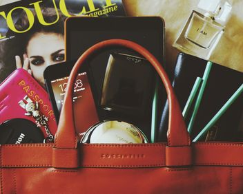Typical Woman's Bag - Kostenloses image #183255