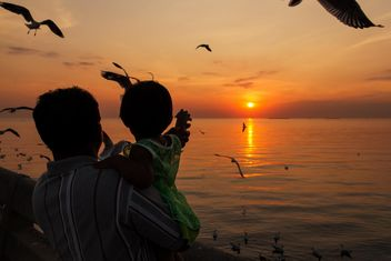 Silhouette of a family - Free image #183495