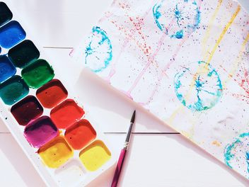 Watercolor paints and brushes - Kostenloses image #184245