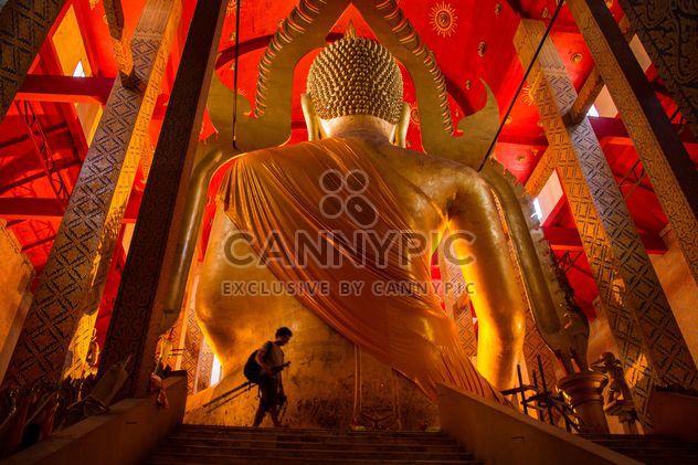 Grande estátua de ouro do Buda - Free image #184585