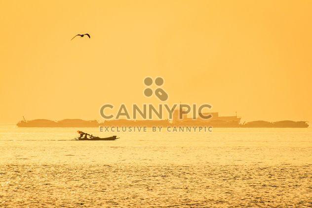 Barcos en un mar - image #184645 gratis