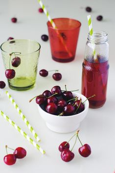 fresh cherries in a bowl - image #185685 gratis