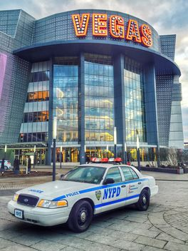US Police Car near Crocus City Hall - image #186845 gratis