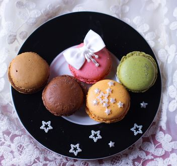 beautiful colorful sweets macaron - image gratuit #187375