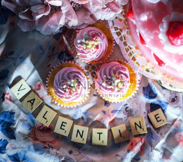Valentine cupcakes - Free image #187395