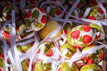 strawberry eastereggs - image #187515 gratis