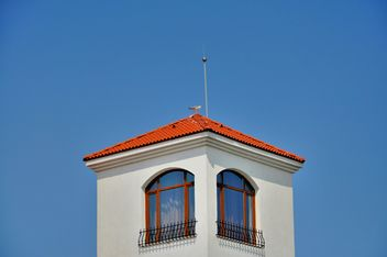 Seagull in the top of the tower - image #198185 gratis