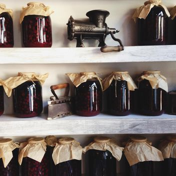 Jars of jam on the shelves - image #198405 gratis
