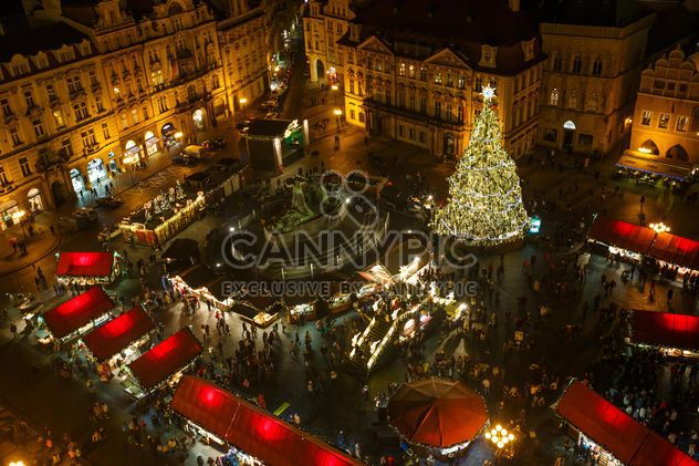 #prague #czech #czechrepublic #europe #architecture #buildings #outdoor #travel #tourism #view #lights #old #cityscape #city #scene #nightshot #night #christmas #xmas #newyear #garlands #winter #christmastree #themainsquare #square - Free image #198635