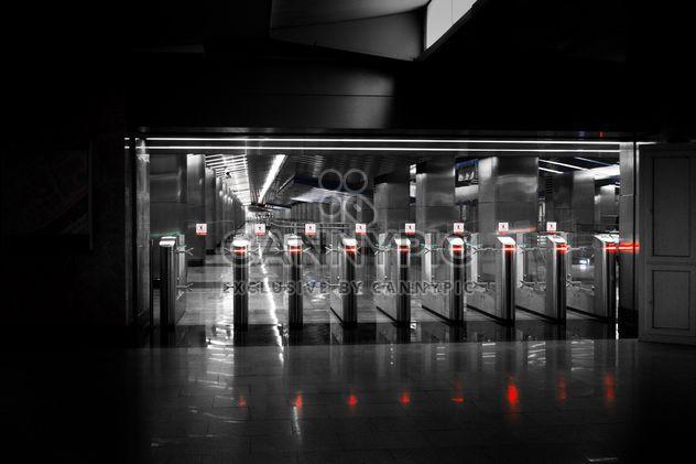 Molinetes en la estación de metro - image #200735 gratis