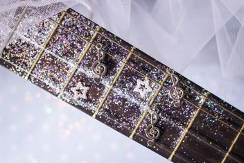 girly guitar glitter - image #201035 gratis