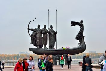 Monument to founders of Kiev - Free image #229465