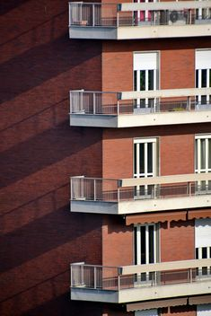 Brown facade of a building - image #271645 gratis