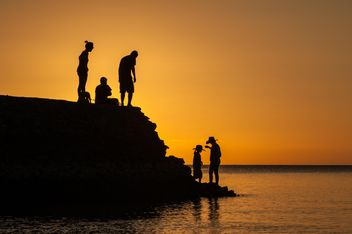 Silhouettes at sunset - image gratuit(e) #271875