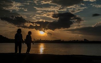 Silhouettes at sunset - image gratuit(e) #271925