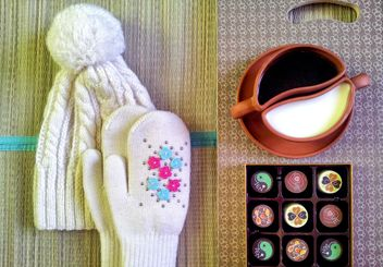 Warm hat, mittens, coffee and candies - image gratuit #272305