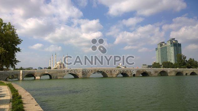 Старый римский мост - бесплатный image #273025