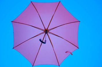 Pink umbrella hanging - бесплатный image #273085