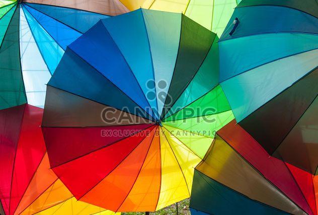 Parapluies de l'arc-en-ciel - image gratuit #273145