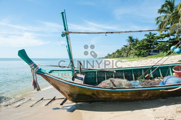 Fishing boats on a beach - Free image #273545