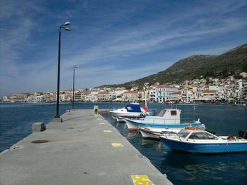Fishing Boats at the Samos harbor - image gratuit(e) #273585