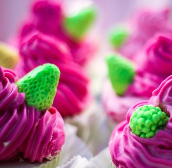 Pink and green cupcakes - Free image #273785