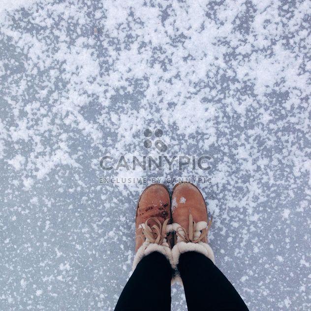 Женские ноги в зимние сапоги - бесплатный image #273845