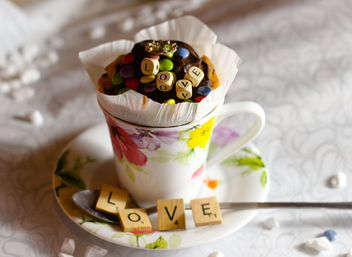 Decorated cupcake in a cup - бесплатный image #273885