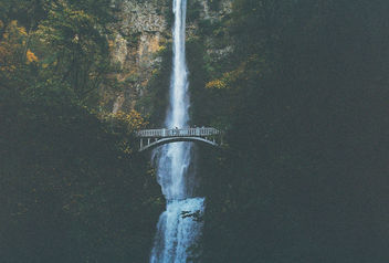 multnomah falls. - Free image #295625