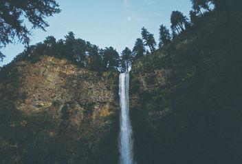 Water Falling. - Kostenloses image #295635