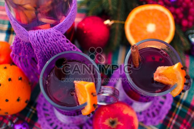 hot mulled wine in beautiful glasses - image gratuit #297515