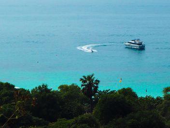Jetski around a boat - image gratuit #301585