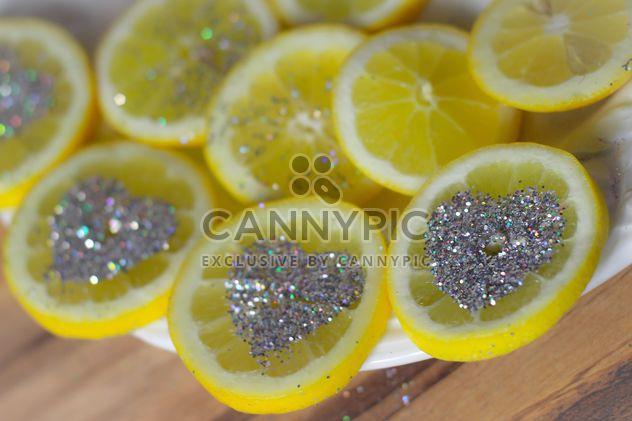 нарезанный лимон - бесплатный image #302815