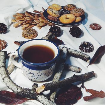 Black tea and cookies - image #302855 gratis