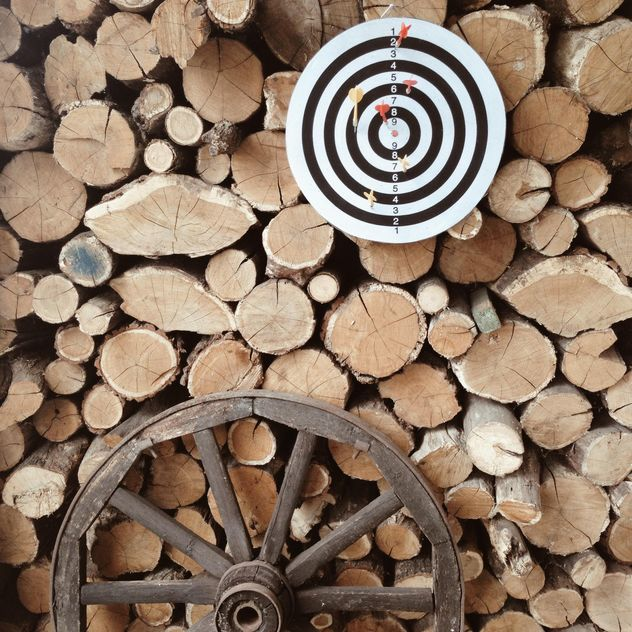 Darts, firewood and tire - image gratuit(e) #304135