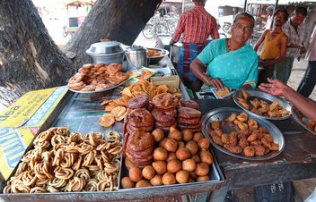 Traditional South Indian Snacks - image gratuit #317135