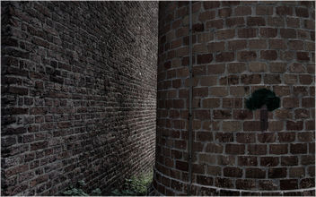 bricks...and a hole between - image gratuit #321335