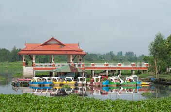 Water bicycles for tourists - image gratuit #330325
