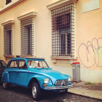 Blue Citroen car on street of Rome - бесплатный image #331065