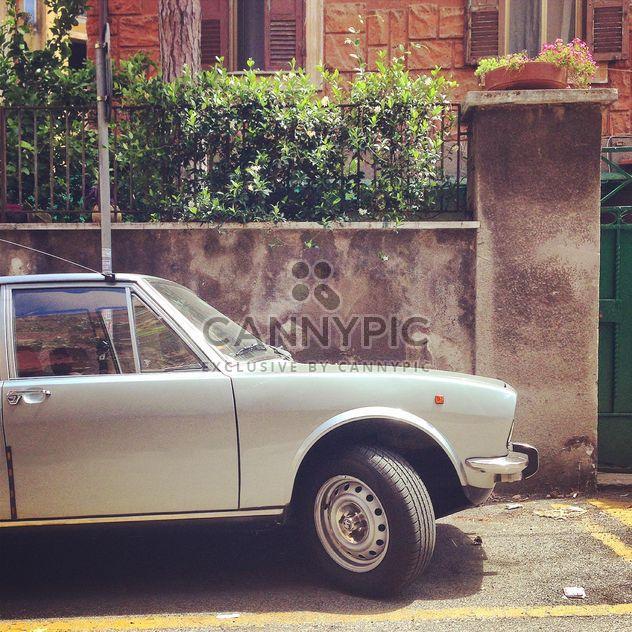 Antiguo coche blanco - image #331345 gratis