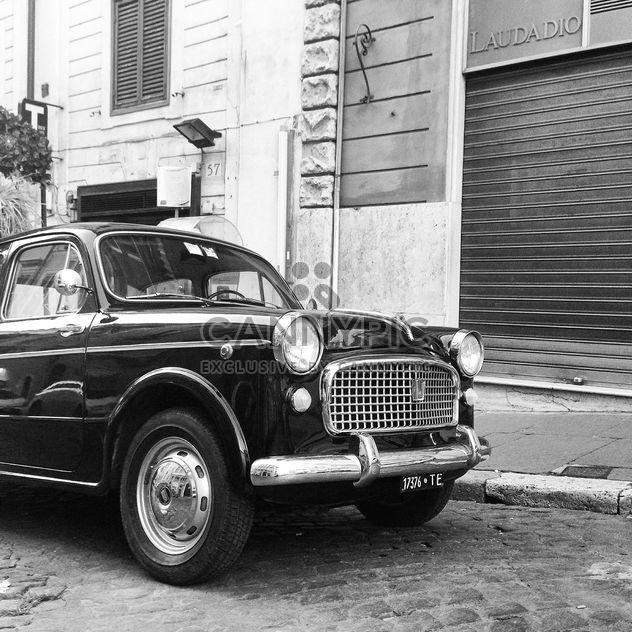 Carro antigo Fiat 1100 - Free image #331515