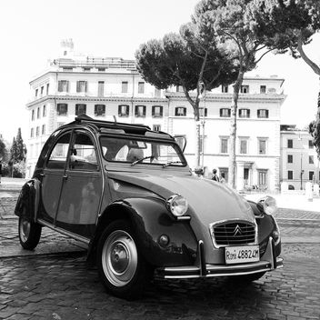 Retro Citroen 2CV car - Free image #331965