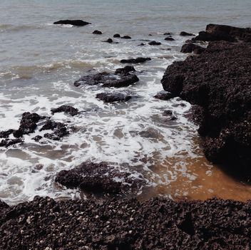 rocky sea shore - Free image #332935