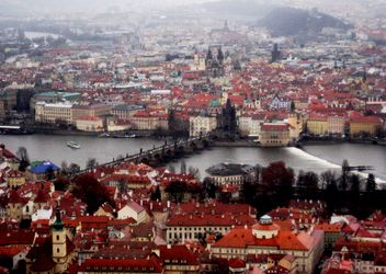 Prague from height in winter - image gratuit #335135
