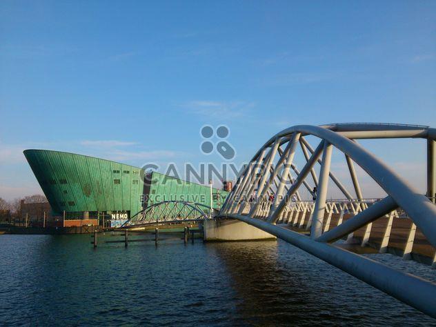 Canais e arquitetura de Amsterdam - Free image #335215