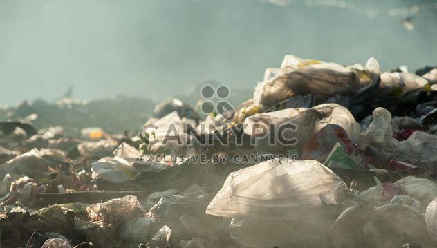 Pile of waste and trash - Free image #337515