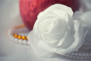 White rose and beads - image #337825 gratis
