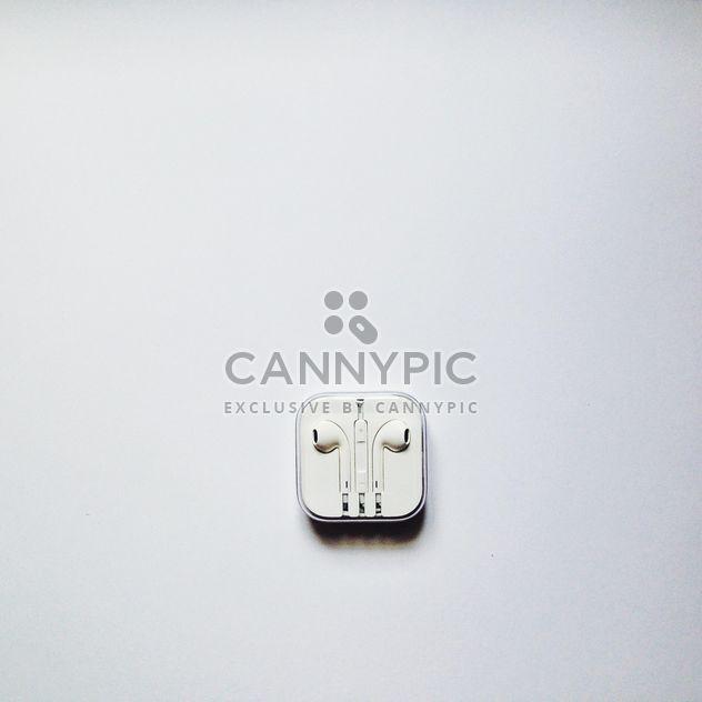 Ecouteurs blancs pour iphone en boîte - Free image #343505